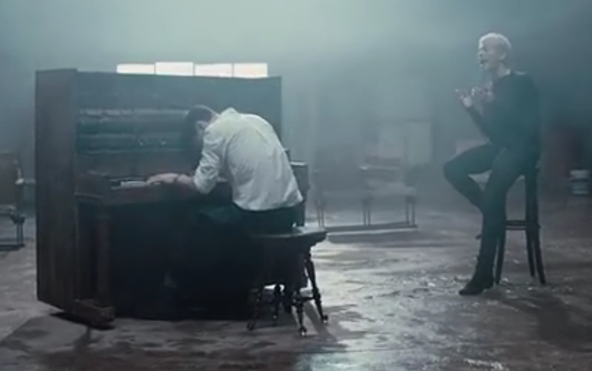 Park Hyo Shin Bernyanyi Merdu Diiringi Piano Dalam MV 'Beautiful Tomorrow'