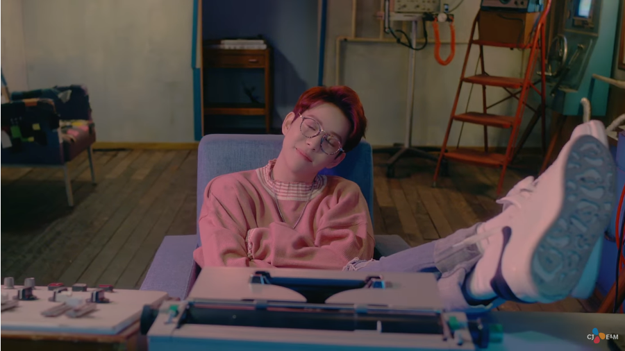 Park Kyung Rilis Teaser Untuk MV Comeback 'When I'm With You'