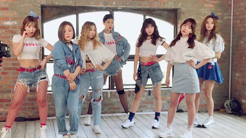 Lagu Debut UNNIES 'Right?' Capai Rekor All-Kill