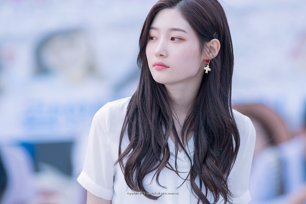 Chaeyeon DIA Susul JR NU'EST di 'Laws of the Jungle'