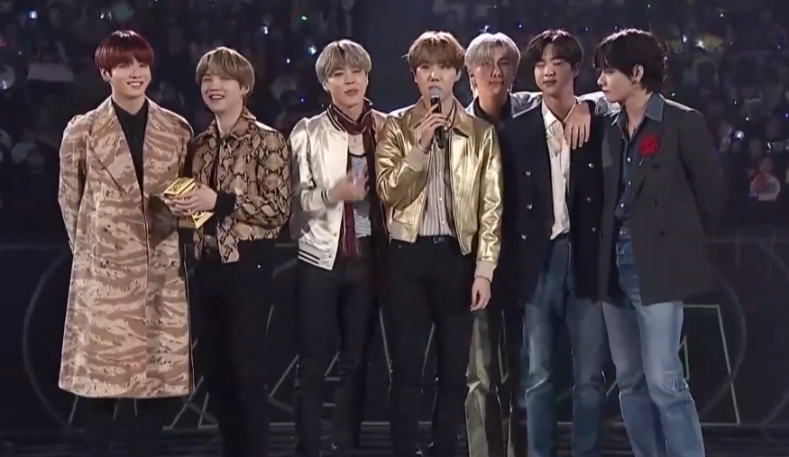 BTS Bawa Pulang Trofi Daesang Album of the Year Dari 'MAMA 2019'
