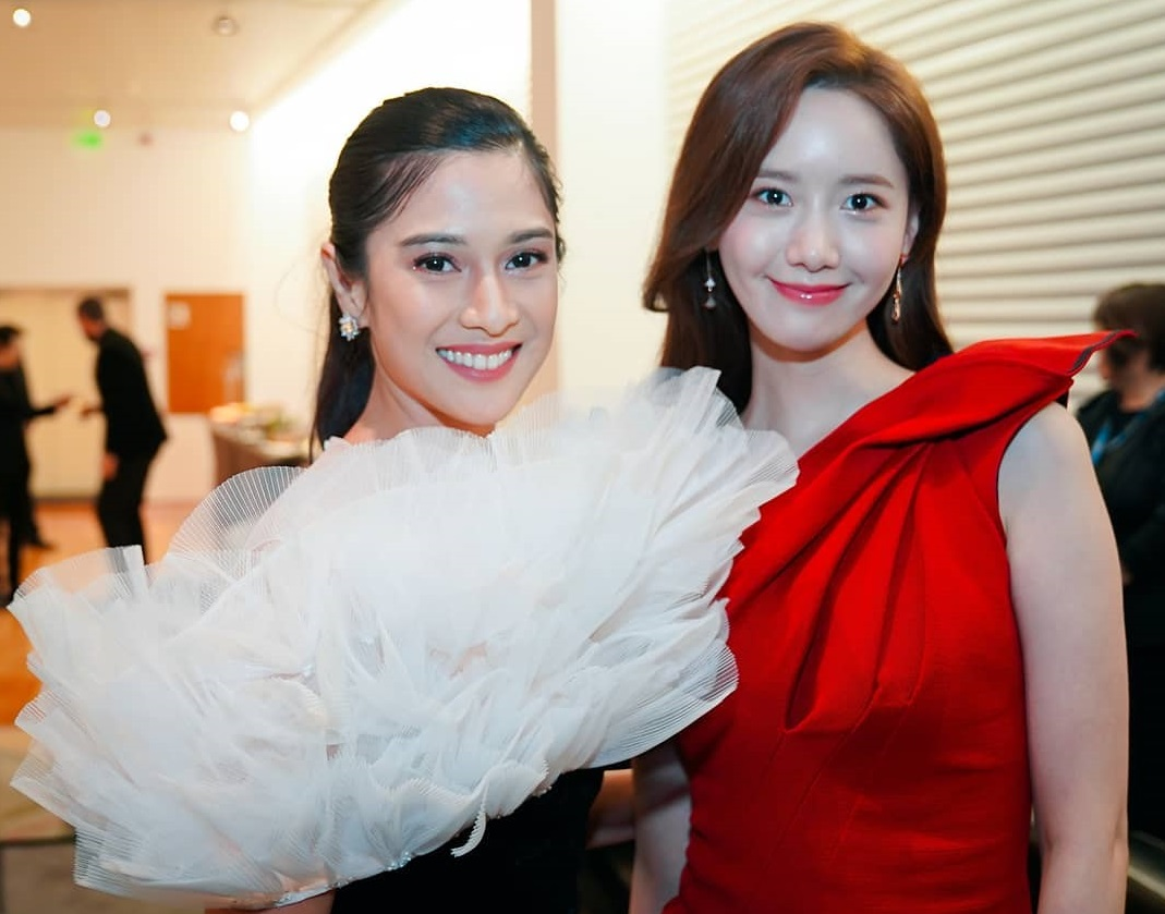 Dian Sastro Pamer Foto Bareng Yoona SNSD di 'International Film Festival & Awards 2019'